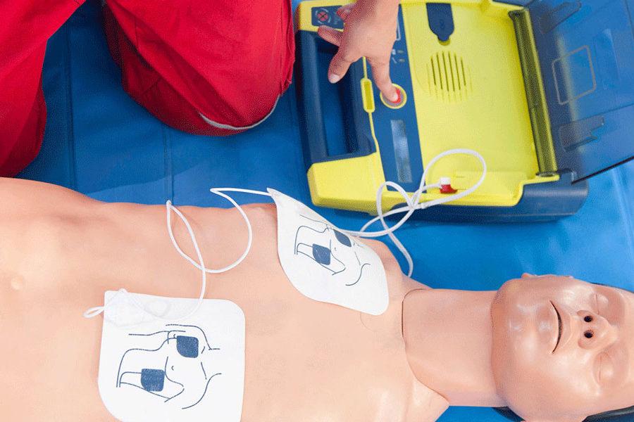 Comment choisir son défibrillateur